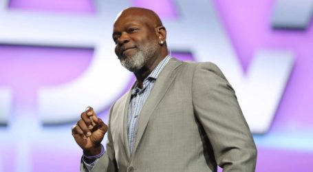 Emmit Smith Parties with More Than 25,000 at  Le-Vel's Ultimate Party in Dallas